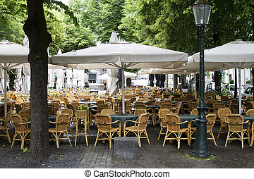 European outdoor caf - Big outdoor cafe in Europe