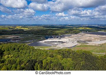 europe's, landfill, deutschland, größten, giftig, nord,...