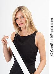 Eva mit Papierrolle