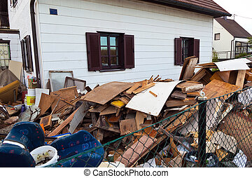 evacuation of a residential building - a house is cleared ...