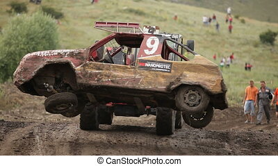 Evacuation transportation - Extreme off-road racing to...