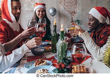 eve., gente, navidad, sentado, glasses., año, o, tabla, ...