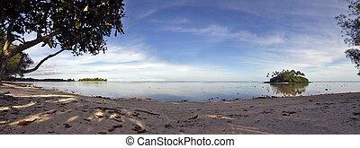 Sun is almost down - large panoramic view (14 MPix) of south Muri lagoon, Rarotonga, Cook Islands
