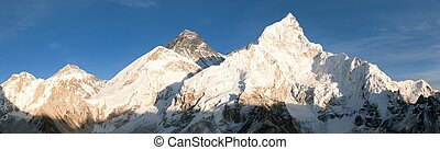 panoramic view of Mount Everest from Kala Patthar - Evening ...