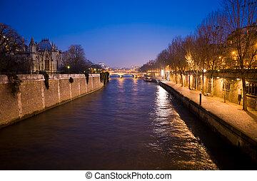 Evening Paris 2