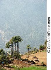 Everest trail landscape near Lukla, Himalayas, Nepal