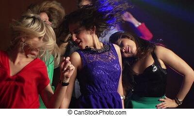 Everybody Dancing