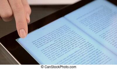 evidenziando, testo, su, uno, schermo tocco, tavoletta, computer