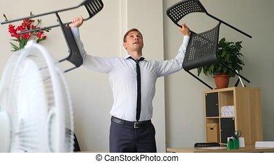 exécuter, elle, bureau., séance entraînement, cadre, mouvement, lent, lieu travail, mâle, 4k