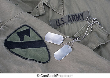 exército, cão, etiquetas