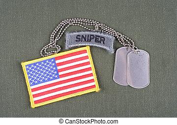 exército, franco-atirador, aba, com, tag cão, e, bandeira, remendo, ligado, azeitona, uniforme verde