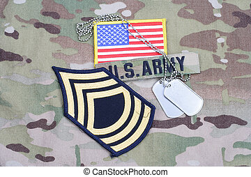 exército, mestre, sargento, grau, remendo, bandeira, remendo, com, tag cão, ligado, camuflagem, uniforme