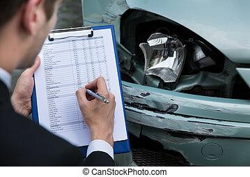 examiner, accident, voiture, après, agent, assurance