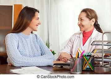 examiner, femme, patient, docteur, jeune, mûrir
