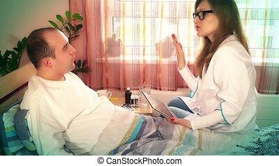examiner, femme, patient, elle, docteur, hôpital, professionnel, pupille, lunettes, homme