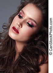 examiner maquillage, jeune, clair, femme, portrait, gros plan, shadow.
