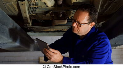 examiner, numérique, quoique, utilisation, mécanicien voiture, tablette, 4k
