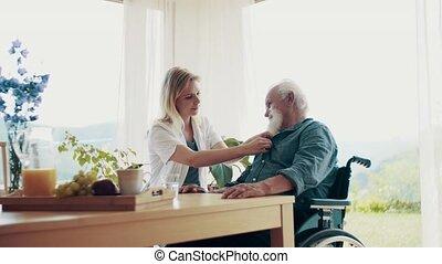 examiner, visiteur, fauteuil roulant, jeune, santé, femme, personne agee, home., homme