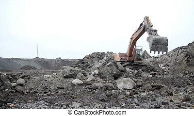 excavator mine 04
