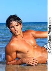 excitado, caucasiano, ajustar, homem, posar, em, um, praia