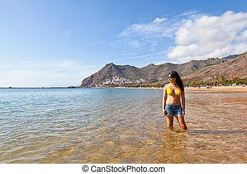excitado, espanhol, mulher, em, a, praia