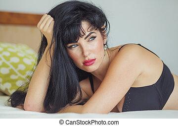 excitado, latina, com, longo, cabelo preto