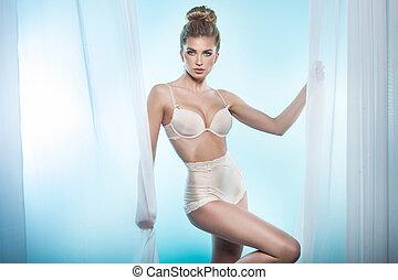 excitado, loiro, mulher, posing.