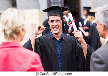 excitado, macho, graduado, segurando, seu, diploma