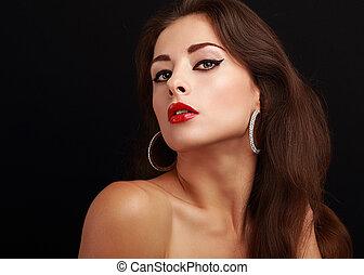 excitado, maquilagem, mulher, com, batom vermelho, olhar, quentes, ligado, pretas