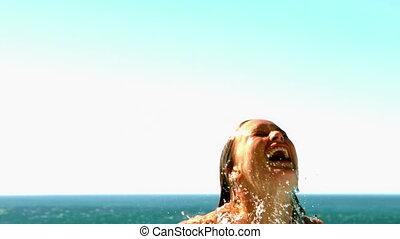 excitado, mulher, desarrumando, em, a, piscina