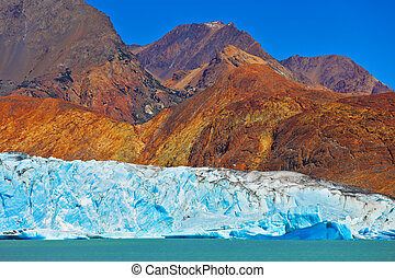 Excursion to the white-blue glacier