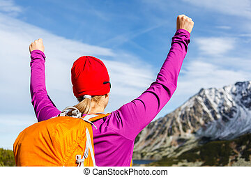 excursionismo, éxito, mujer, en, montañas