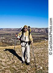 excursionista, con, excursionismo, postes