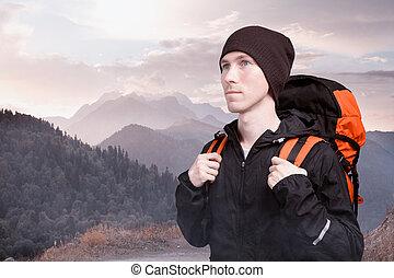 excursionista, mochila, montañas., hombre