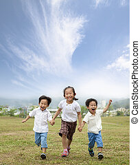 executando, crianças, asiático, feliz