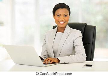 executiva, americano, jovem, escritório, africano