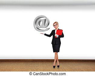 executiva, segurando, e-mail