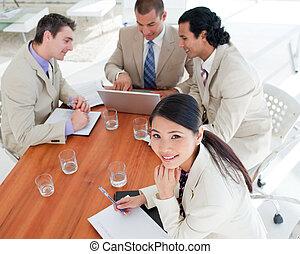 executiva, sorrindo, reunião, asiático