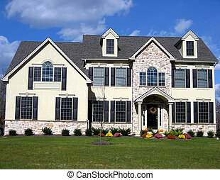 Executive House 4 - A Luxurious Mansion with a Lawn and...