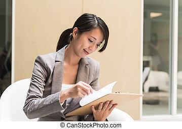 executivo, ler, a, relatório