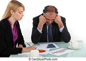 executivos, trabalhando, em, escritório