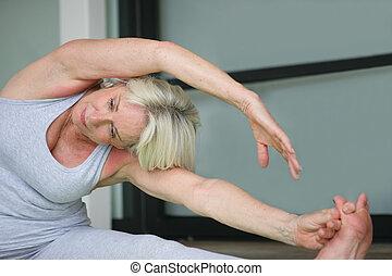exercícios, mulher sênior