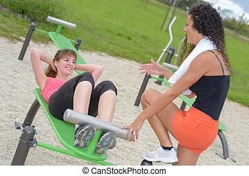 exercícios, mulheres, ao ar livre