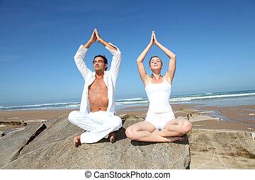 exercícios, praia, par, ioga
