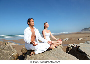 exercices, plage, couple, yoga