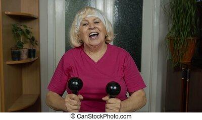 exercisme, formation, haltérophilie, séance entraînement, grand-mère, haltère, femme, mûrir, personne agee, maison
