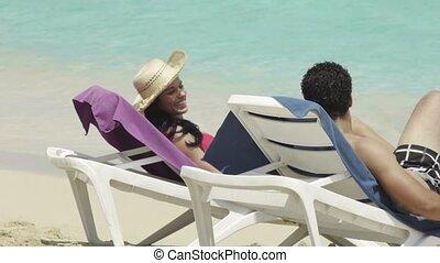 exotique, couple, plage, heureux