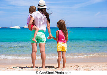 exotique, famille, ensoleillé, amusant, plage, jour, heureux