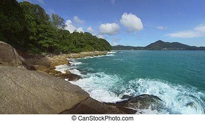 exotique, phuket, vagues, plage rocheuse, éclaboussure, contre, son