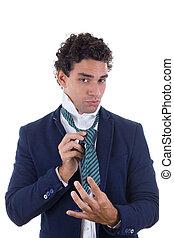 expérimenté, homme, attaché, cravate